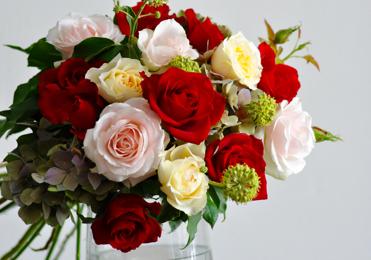 Florist choice of romantic mixed flower bouquet with red roses florist choice of romantic mixed flower bouquet with red roses izmirmasajfo